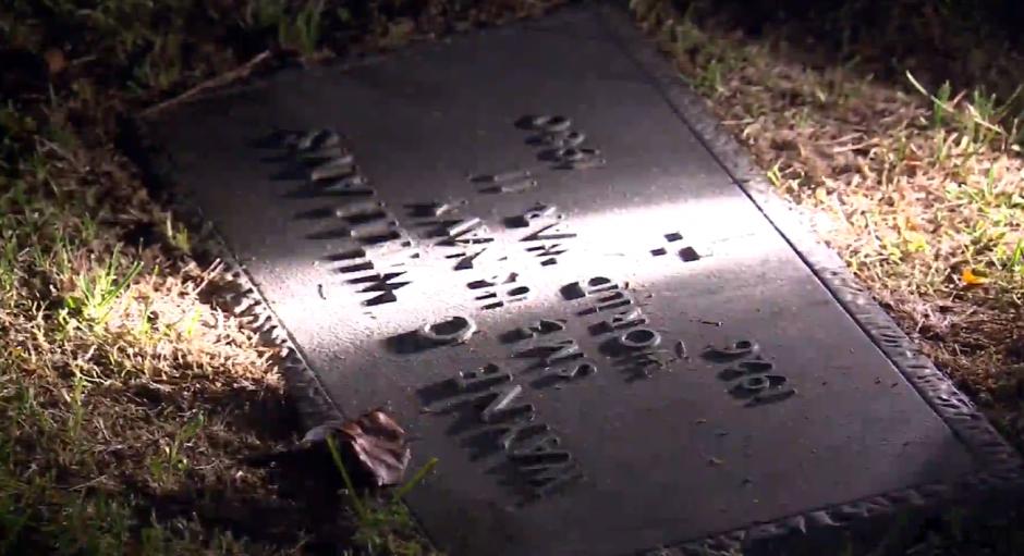 El padre de Wyne murió en 1980, sin embargo eso no impidió que cumpliera con su promesa. (Foto: Captura de video)