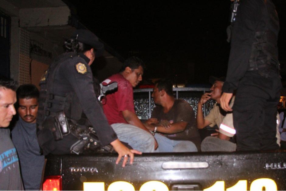 Los detenidos fueron trasladados a un juzgado de Escuintla. (Foto: PNC)