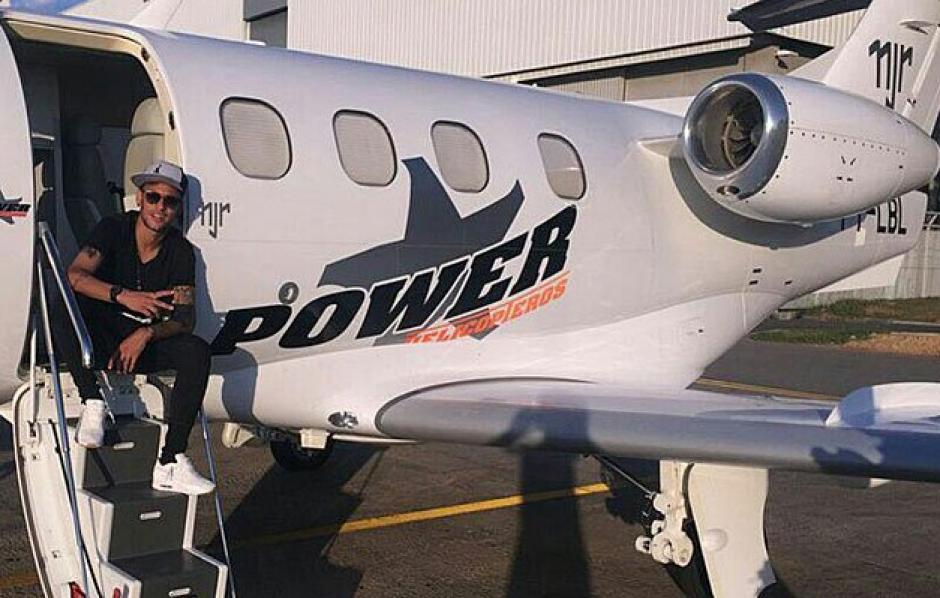 Neymar pagó 10 millones de dólares por su avión. (Foto: Instagram)