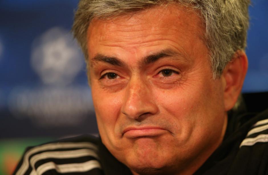 Mourinho volvió a hacer de las suyas. (Foto: The Sun)