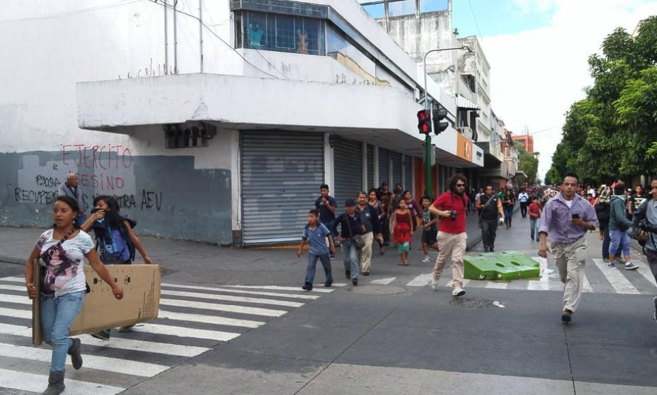 Vendedores ambulantes provocaron daños a la infraestructura del lugar. (Foto: José Miguel Castañeda)