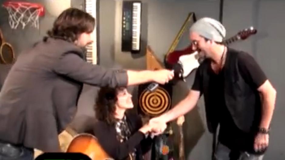 Así fue el encuentro de Gaby Moreno y el imitador argentino de Ricardo Arjona. (Foto: Captura de video)