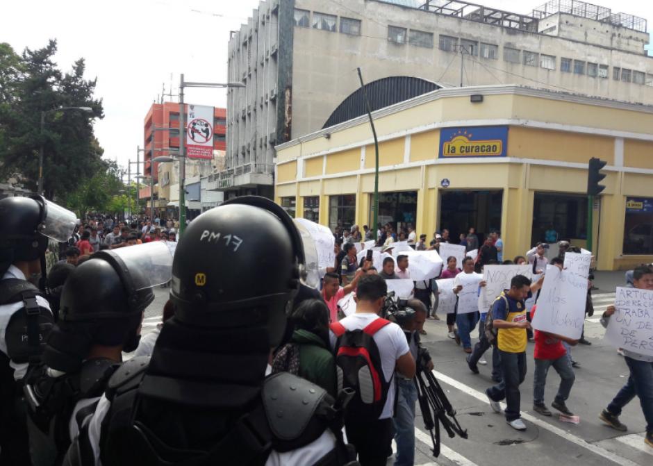 La presencia policial se mantiene en el lugar. (Foto: Archivo/Soy502)