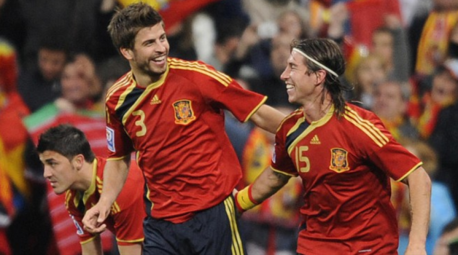 Desde hace años son la pareja defensiva de España. (Foto: Goal.com)