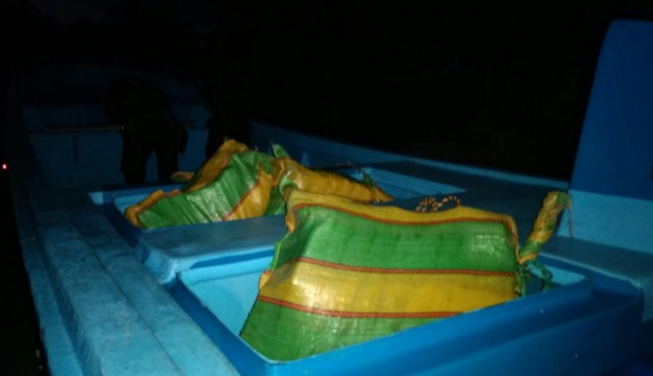 En varias bolsas eran transportados los paquetes de droga. (Foto: MP)