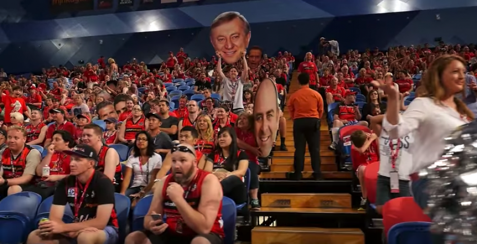 Todos los que estaban en el estadio cumplieron con su papel. (Imagen: captura de pantalla)