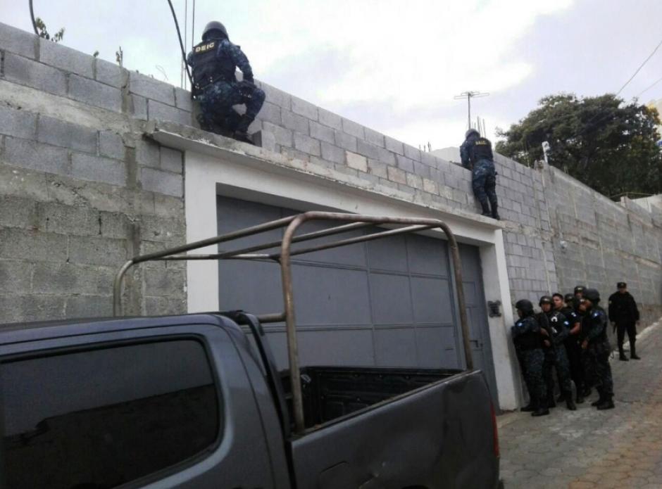 La PNC capturó a cuatro personas en este nuevo caso de corrupción. (Foto: PNC)