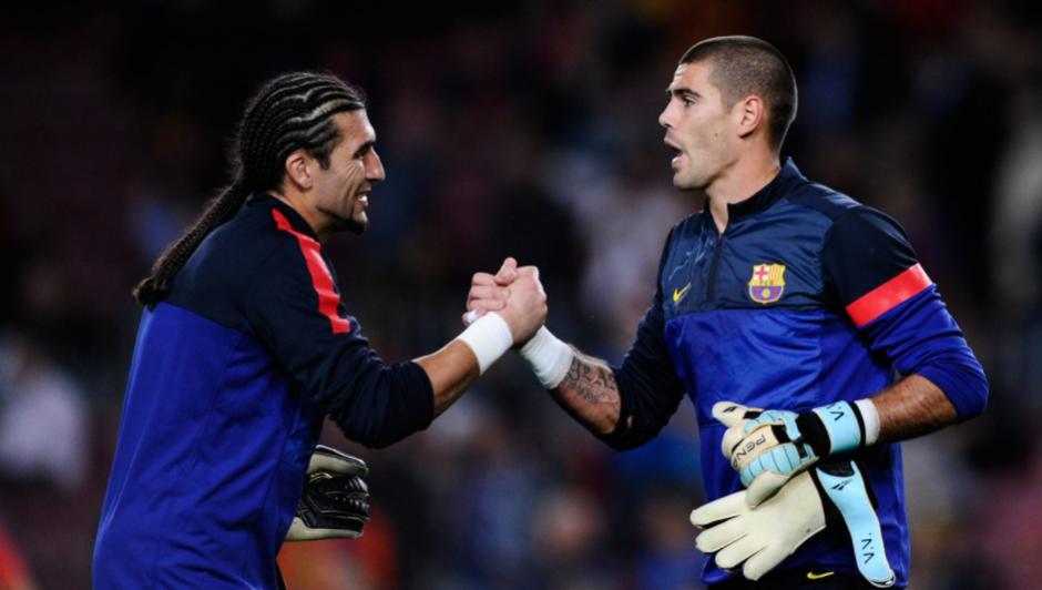 José Manuel Pinto con Víctor Valdés. (Foto: Sport.es)