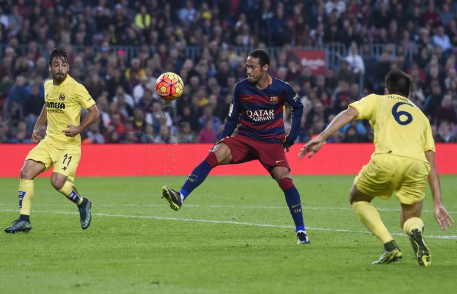 Neymar le marcó un golazo al Villarreal. (Foto: Sport)