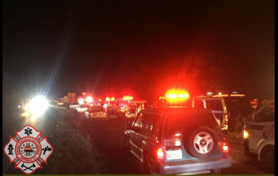 Varias unidades de socorristas fueron destacadas al lugar del accidente. (Foto: Bomberos Municipales Departamentales)