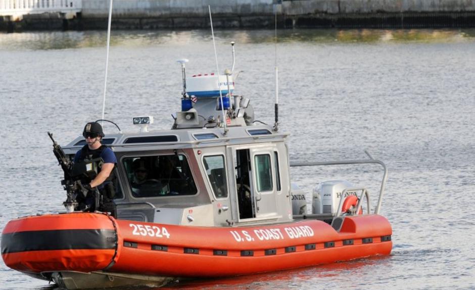 La Guardia Costera fijó tres zonas de seguridad marítimas en el área. (Foto: rpp.pe)