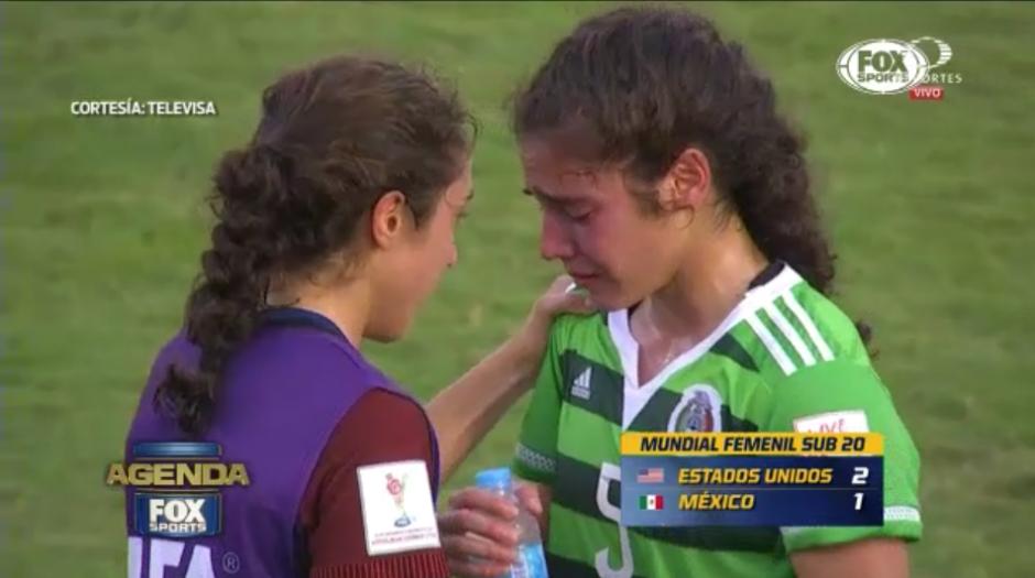 Las hermanas Flores protagonizaron el momento más emotivo del mundial femenil. (Captura Video)