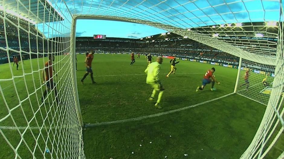 Todos los árbitros se comieron esta mano clarísima. (Imagen: captura de pantalla)