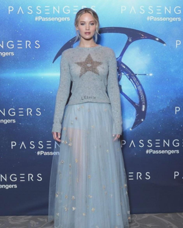 El vestido de Jennifer causó revuelo en las redes sociales. (Foto: Twitter)