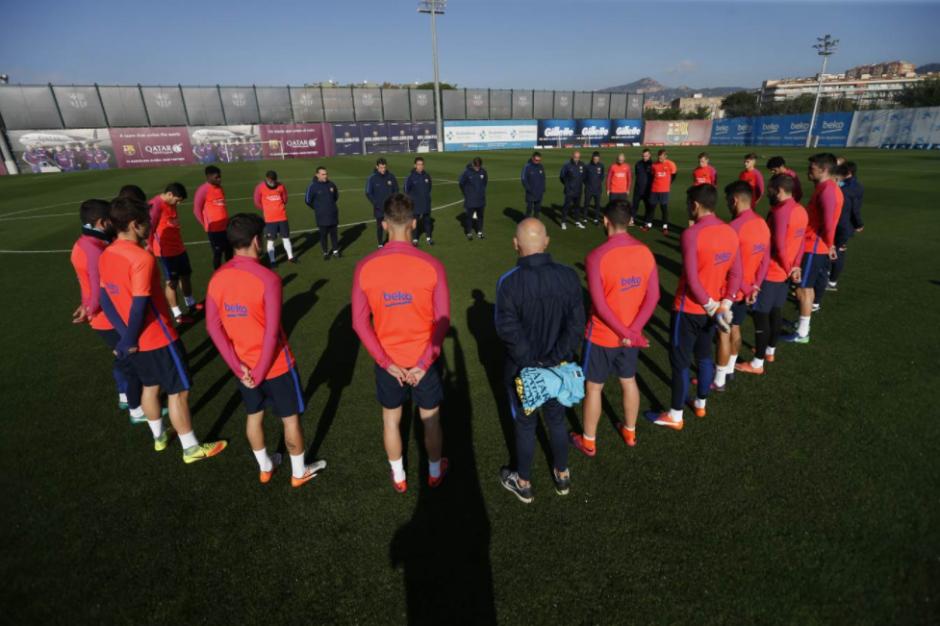 El minuto de silencio del FC Barcelona. (Foto: FCB)