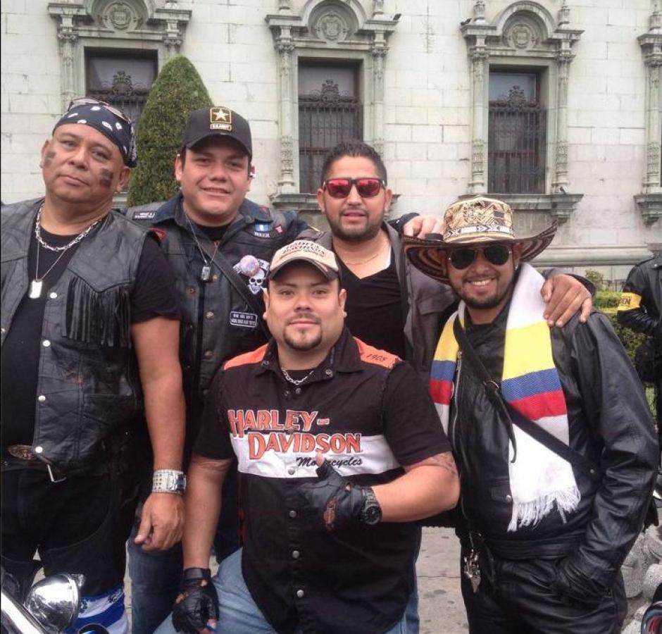 Oliva también era uno de los participantes y promotores de la Caravana del Zorro. (Foto: Facebook/Eddy Oliva)