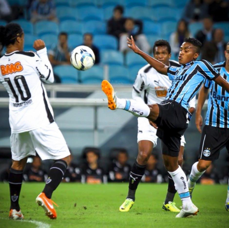 Ronaldinho era amigo de una de las víctimas, Matheus. (Foto: Twitter)