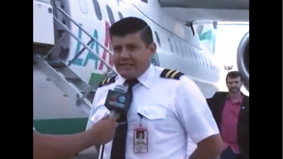 El piloto del avión se sentía orgulloso de transportar al equipo. (Imagen: captura de YouTube)
