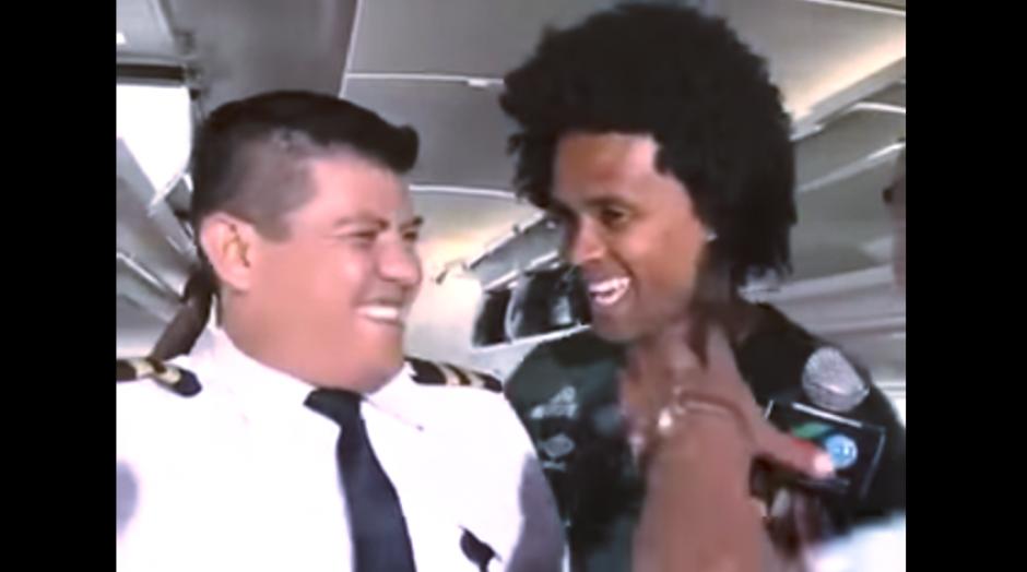 Los jugadores y la tripulación ya se habían conocido antes y bromeaban. (Imagen: captura de YouTube)