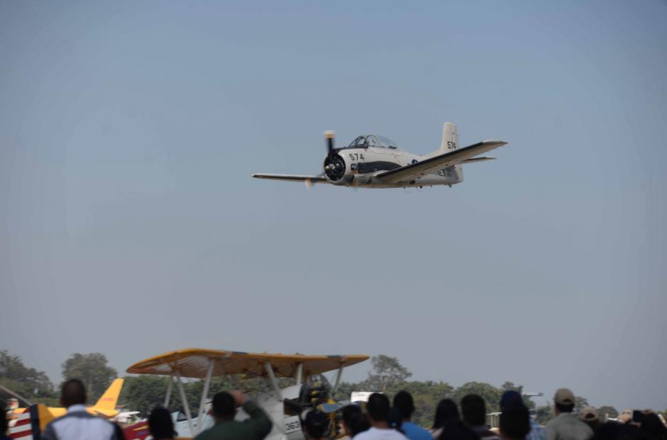 En el show, pilotos realizaron acrobacias y técnicas de rescate. (Foto: Wilder López/Soy502)