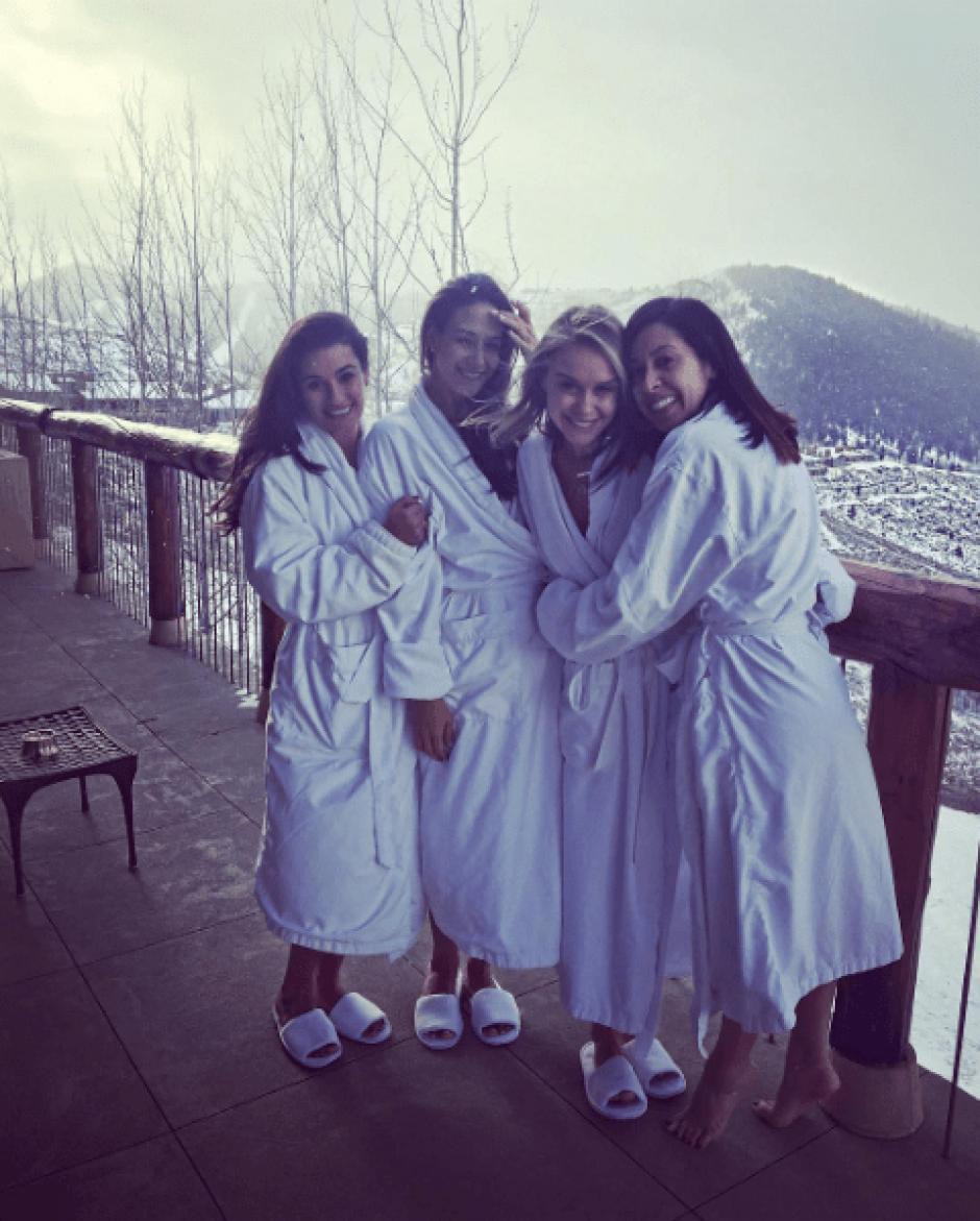 Las actrices de la serie aprovecharon para estar juntas nuevamente. (Foto: @leamichele/Instagram)