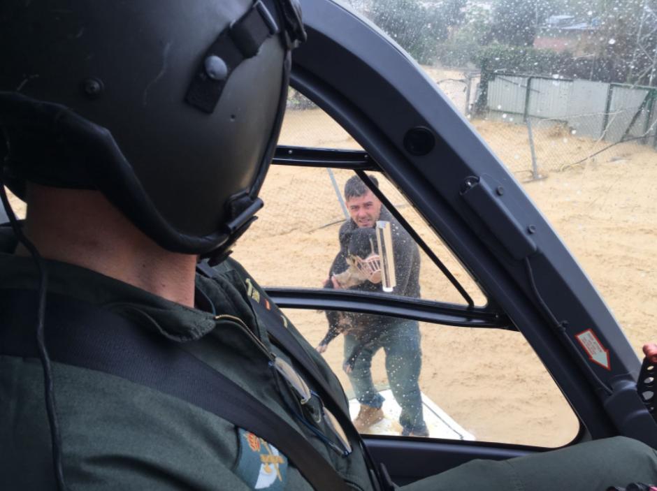 El rescate tuvo lugar en Málaga, España. (Foto: Twitter/@guardiacivil)