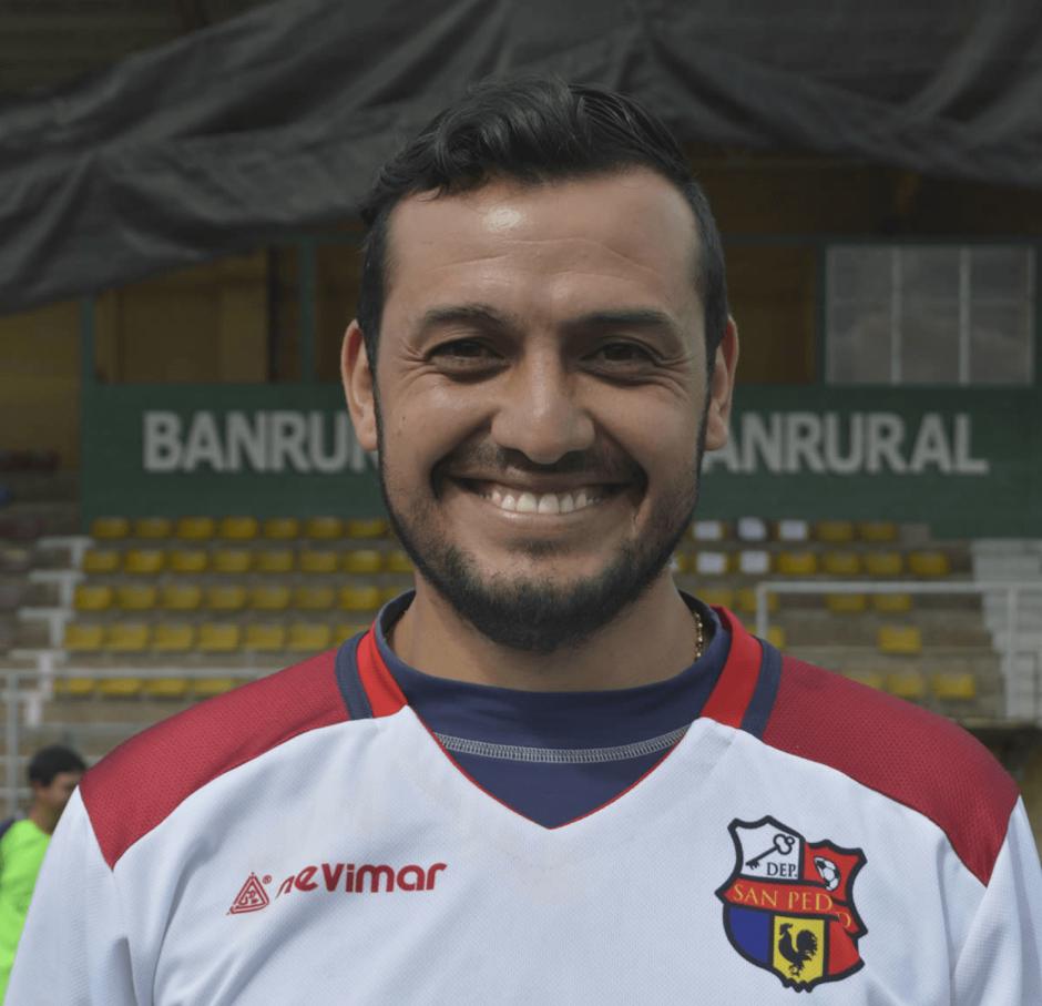 El chileno Carlos Valencia, quien tendría contrato vigente con San Pedro, fue detenido por PNC. (Foto: Hugo Barrios)