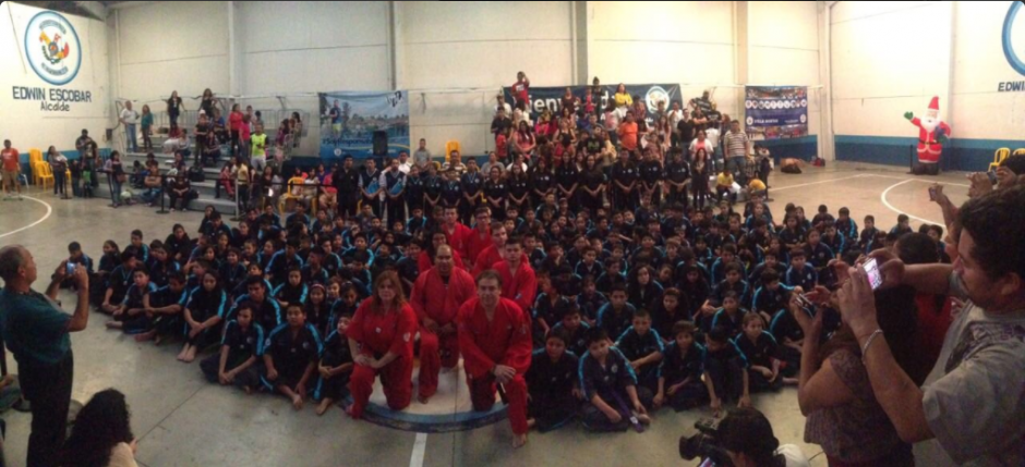 """Escobar fue promovido """"gracias al esfuerzo en la formación de cientos de jóvenes en la disciplina y liderazgo"""". (Foto: Twitter, @EdwinEscobarVN)"""