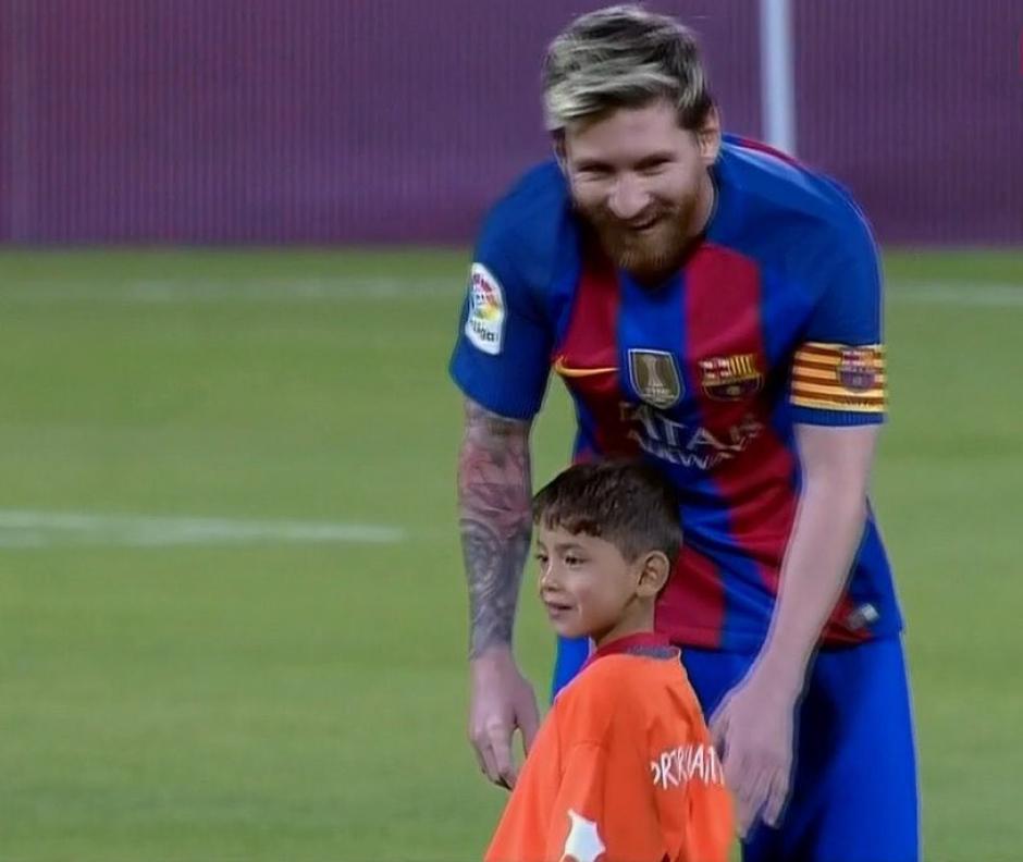 Messi le decía que tenía que salir pero Murtaza no se iba. (Imagen: captura de pantalla/ESPN)