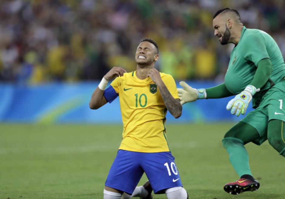 Así de emotiva fue la celebración del brasileño. (Foto: AFP)