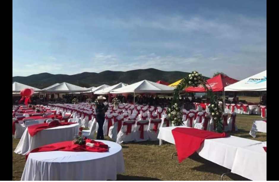 Esta es el área para la comida en la celebración. (Foto: Twitter/#XVDeRubí)