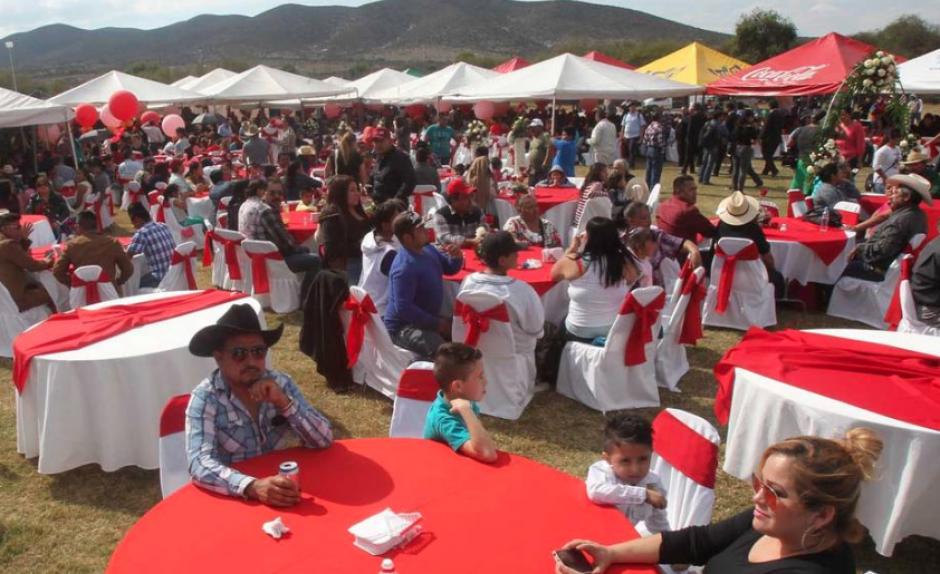 Así celebraron los familiares de Rubí. (Foto: La Prensa Gráfica)