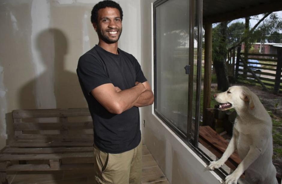 Silva construyó su casa con sus propias manos. (Foto: notasculturales.org.uy)
