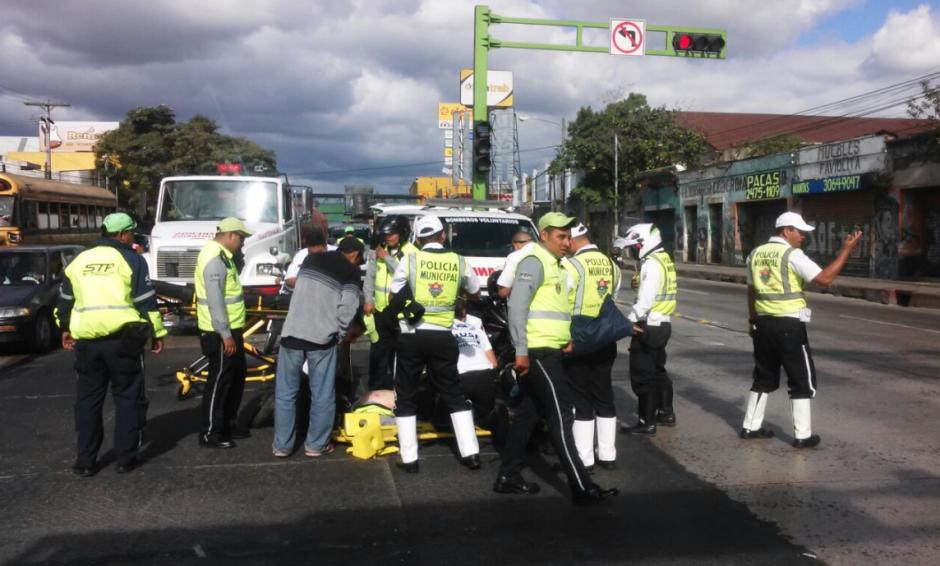 Los agentes fueron traslados al hospital con graves heridas. (Foto: Amilcar Montejo/PMT)