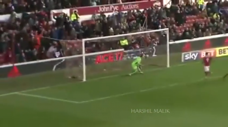 El portero se quedó sin oportunidad para evitar el gol de Osborn. (Captura YouTube)