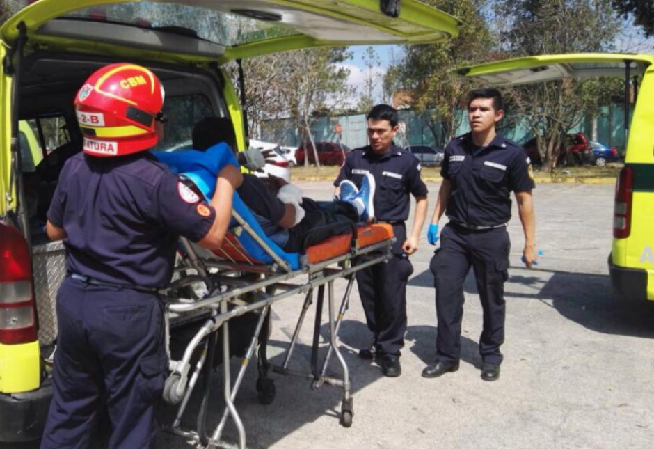 Una explosión provocó que cinco personas resultaran heridas. (Foto: Bomberos Municipales)