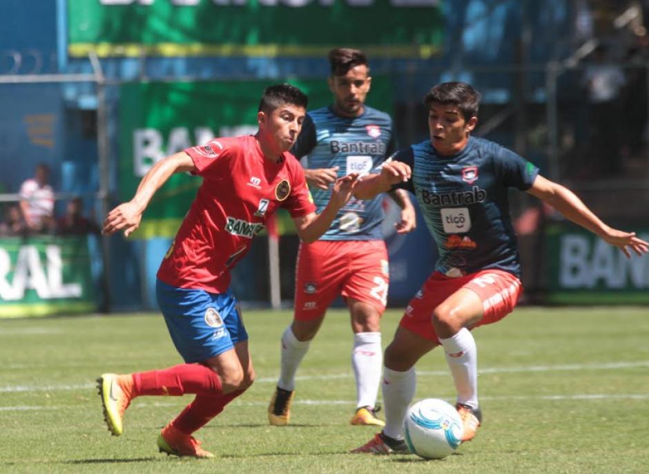 EL juego no ha tenido un dominador absoluto. (Foto: Luis Barrios/Soy502)