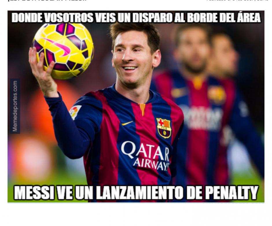 Lionel Messi pateó de tiró libre para anotar un golazo. (Foto: MemeDeportes.com)
