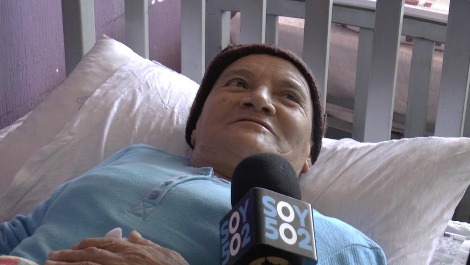 Sucel Calderón tiene 67 años y padece cáncer de garganta desde octubre de 2016. (Foto: Alejandro Balán/Soy502)