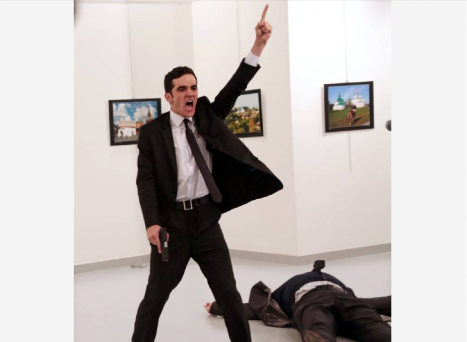 La foto del asesino del embajador ruso en Ankara fue la ganadora. (Foto: Burhan Ozbilici/AP)