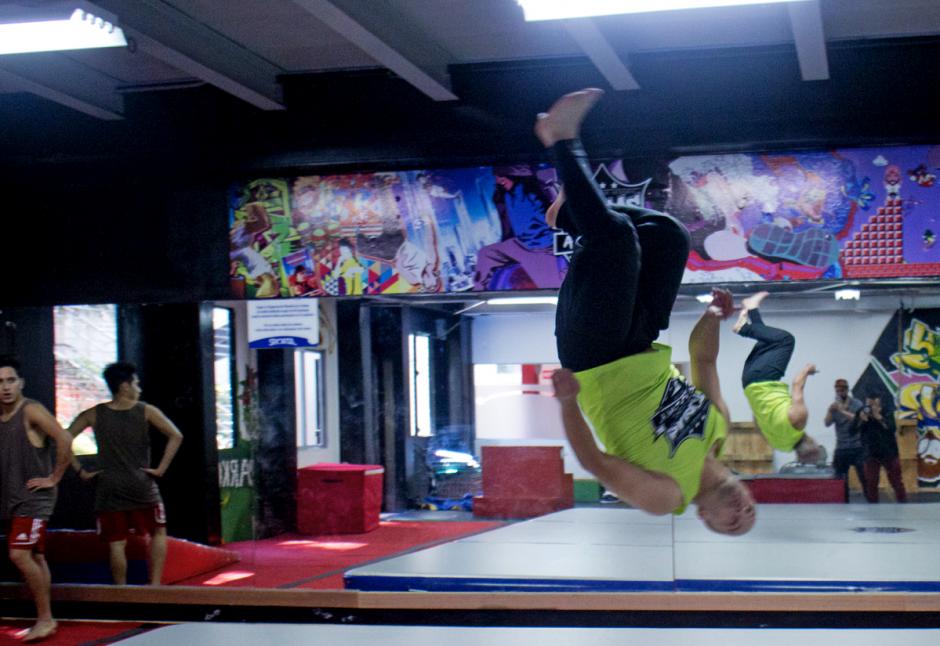 La academia Tobías Bros da clases de tricking y parkour a quien lo desee. (Foto: José Dávila/Soy502)