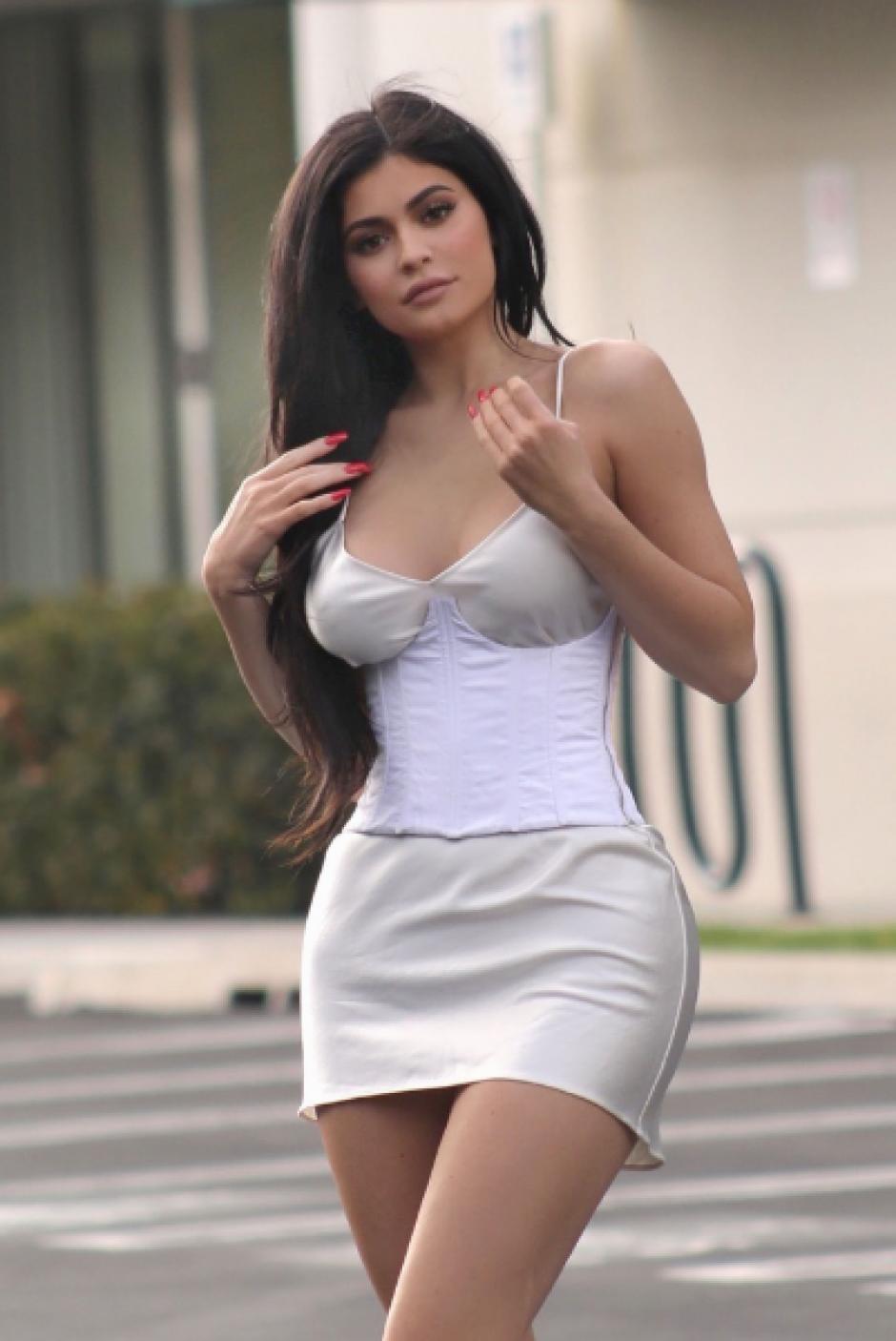 Kylie Jenner cuenta con una línea de cosméticos y productos de belleza.  (Foto: TMZ)