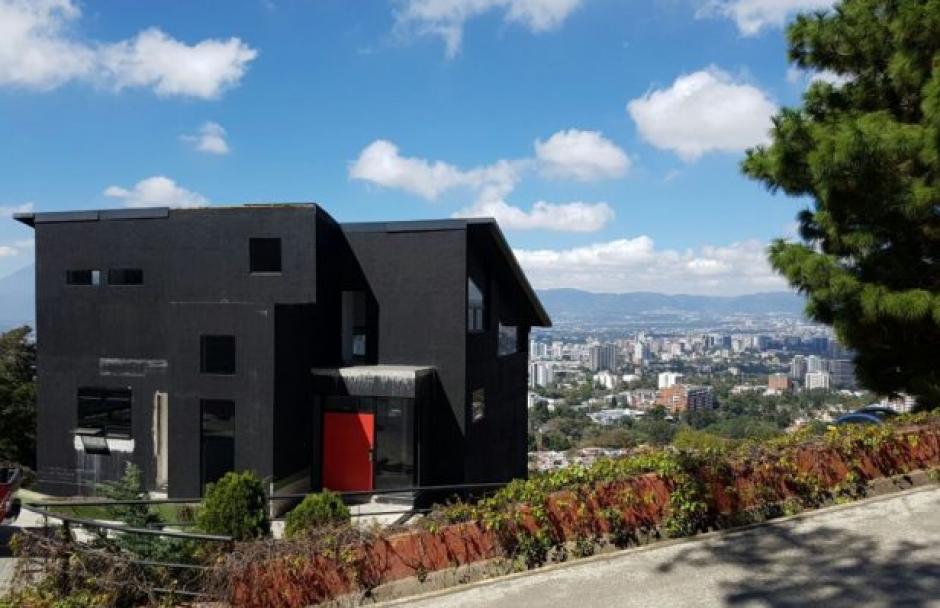 Se trata de una casa ubicada en Residenciales Vistas del Ángel, en Santa Catarina Pinula. (Foto: MiP)