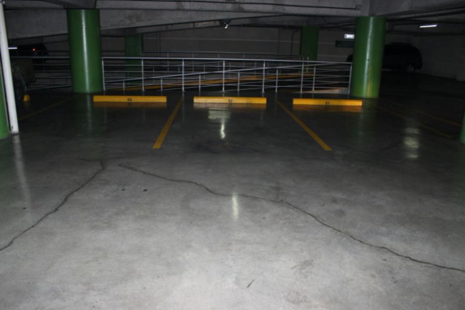 Entre las propiedades figuran los tres parqueos de la oficina del edificio Sixtino II, cuyo valor individual es de 150 mil quetzales. (Foto: MiP)
