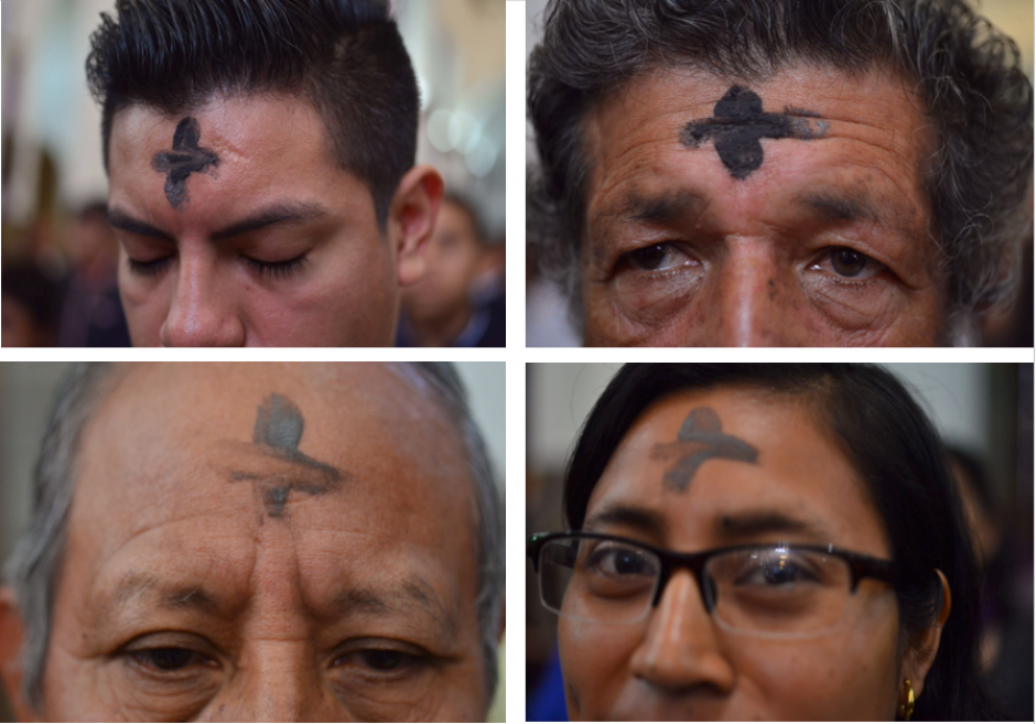 A la ceremonia asisten personas de diversas edades. (Foto: Jesús Alfonso/Soy502)