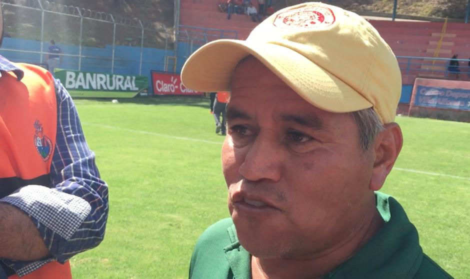 Ulises Sosa el técnico del sorprendente Marquense. (Foto: Luis Barrios/Soy502)