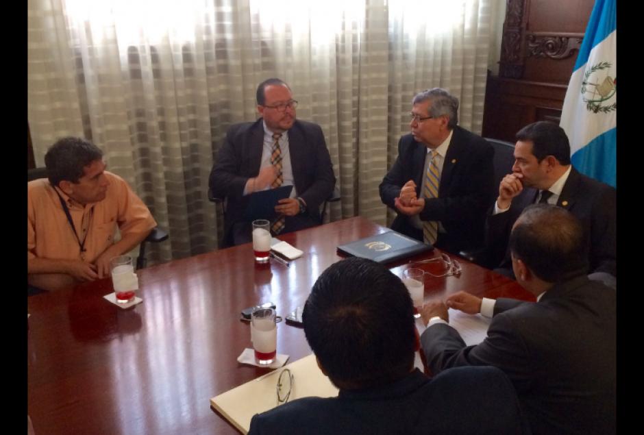 El mandatario se reunió con Joviel Acevedo esta tarde. (Foto: Vicepresidencia)