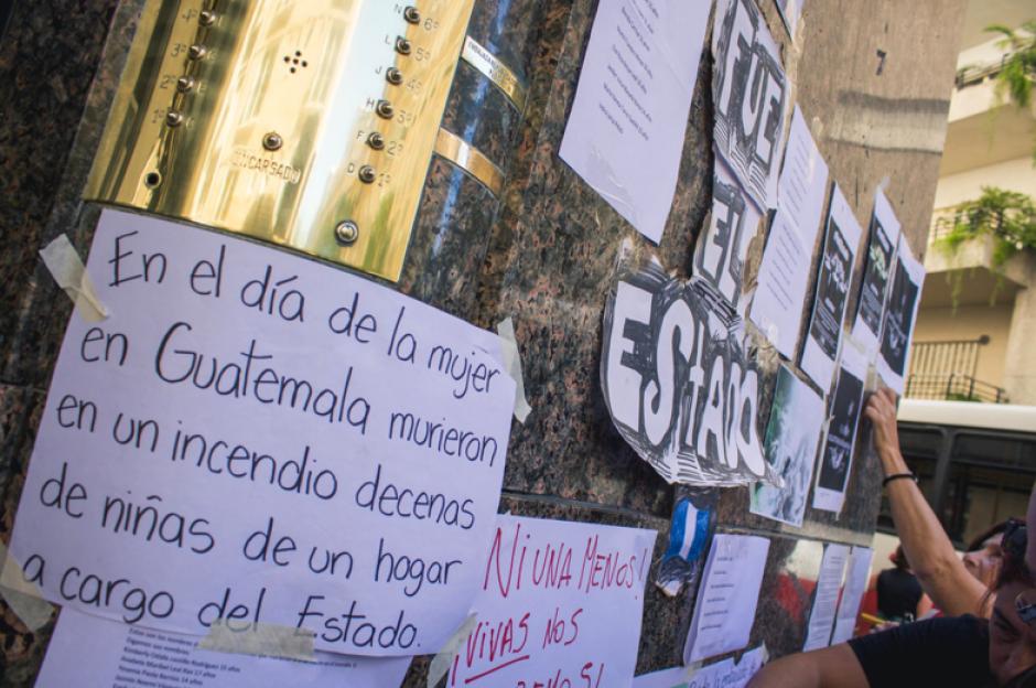 #NiUnaMenos y #VivasNosQueremos fueron las consignas en Argentina. (Foto: José López Ruano)