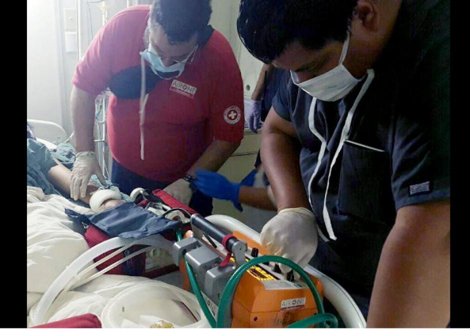 Así fueron movilizadas las menores heridas. (Foto: Ministerio de Salud)