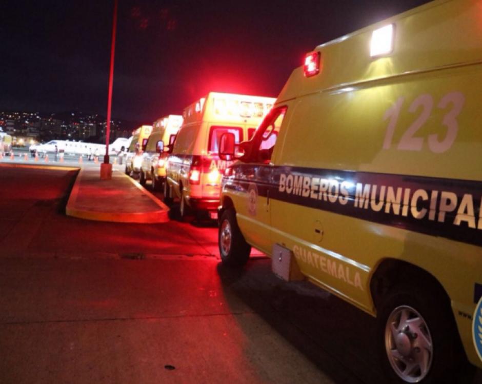 Estas fueron las ambulancias que trasladaron a las sobrevivientes. (Foto: Bomberos Municipales)
